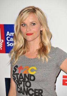 Reese Witherspoon medium hairstyle for square face