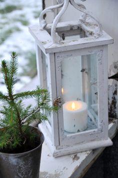 Beautiful winter / Christmas decor, so simple...