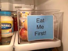 Avec un réfrigérateur organisé, non seulement vous allez trouver plus facilement ce que vous cherchez, mais aussilibérer plus d'espace et surtout ne pas gaspiller de nourriture. En effet, il n'y a rien de plus frustrant que de jeterdes aliments périmés et oubliés au fond de votre frigo! Découvrez 11 idées brillantes pour rangervos denrées alimentaires....