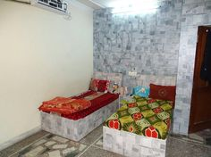 Paying Guest in India Paying Guest, Rooms For Rent, Serviced Apartments, Property Listing, Hostel, India, Blanket, Female, Bed