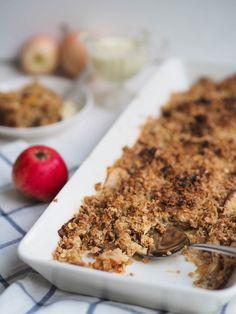 Omenahyve eli Omena-kaurapaistos Savoury Baking, Tasty Kitchen, Banana Bread, Eat, Desserts, Recipes, Food, Tailgate Desserts, Deserts