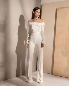 Wedding Gowns with Pants (Page Brides in Pants If we ask what it means to marry for a girl, we're certain that we'll get totally different solutions from all ladies. Many ladies who. Wedding Gowns with Pants Classy Outfits, Chic Outfits, Vintage Outfits, Luxury Clothing Brands, Designer Clothing, Wedding Jumpsuit, Formal Jumpsuit, White Pantsuit Wedding, Stylish Outfits