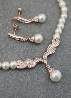 Rose gold Pearl Bridal Jewelry Set from EarringsNation Rose Gold Weddings Blush Wedding