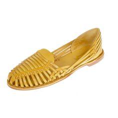 Onyva.ch / La Garconne Shoes #onyva #onlineshop #shoes #style #shoedesign #yellow #chic #switzerland #lagarconneshoes #vintage #summer #summershoes #sandals #fashion #leather Shoes Style, Summer Shoes, Switzerland, Designer Shoes, Loafers, Sandals, Yellow, Leather, Shopping