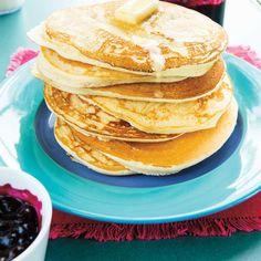 Pancakes dodues | Ricardo Vegetarian Pancakes, Ricardo Recipe, Biscuits, Crepes, Baking Soda, Main Dishes, Breakfast Recipes, Sweet Tooth, Muffins