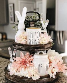 Easter Decorations 88841 Inspiring Tiered Tray Style Ideas for Spring and Easter - Montana Vintage Market Plateau Style, Montana, Tray Styling, Seasonal Decor, Holiday Decor, Spring Home Decor, Spring Decorations, Spring Kitchen Decor, Valentine Decorations