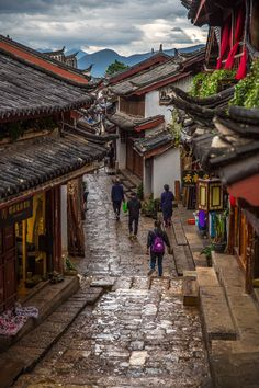 Lijiang Old Town, Yunnan, China by Yanlun Peng