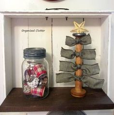 Easy Wooden Spool Christmas Decor www.organizedclutterqueen.blogspot.com