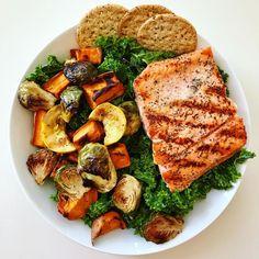 Healthy Dinner Ideas for Delicious Night & Get A Health Deep Sleep Healthy Snacks, Healthy Eating, Healthy Recipes, I Love Food, Good Food, Yummy Food, Comida Keto, Aesthetic Food, Food Inspiration