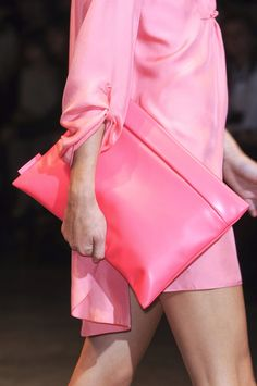Cacharel Spring 2011 Ready-to-Wear