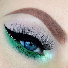 Green Eye Shadow on the Lower Lid