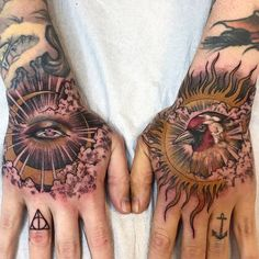 [New] The 10 Best Tattoo Ideas Today (with Pictures) - Body Art Tattoos, Hand Tattoos, Cool Tattoos, Tattoo Life, Tattoo Blog, Samantha Smith, Examples Of Art, Black And White Pictures, Traditional Tattoo