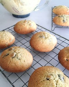 Hver vill ekki volga tebollu með mjólk í kaffitímanum? Cheescake Recipe, Just Bake, Food Lists, Bread Baking, No Bake Cake, Baked Goods, Cake Recipes, Cake Decorating, Cooking Recipes
