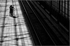 """Kai Ziehl. Man - City decoration (Человек - украшение Города). """"Места должны быть прозаические, с прямой четкой структурой. Они должны быть просторными и виден, предпочтительно, только один движущийся человек""""... http://udavich.blogspot.com/2016/08/kai-ziehl.html"""