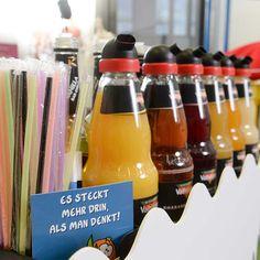 Cocktailbar, Saftbar, mobile Cocktail Bar, Fruchtalarm, kleine Hochzeitsgäste, Hochzeit, Food & Drink Bar, Fräulein Herzrasen Hochzeitsblog Drink Bar, Brunch, Juice, Getting Married, Kids