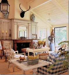 Hailing from Tulsa, Oklahoma, Charles Faudree steps up to claim on the Cote de Texas: Top Ten Designers list. French Country Living Room, French Country Cottage, French Country Style, Country Cottages, Rustic French, Country Homes, Rustic Feel, French Interior, French Decor