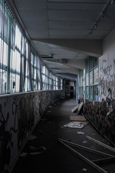 Abandoned hallway in Banksia Secondary College