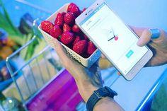 Ad essere onesti, non sapevo ancora che questo fosse possibile…  Benvenuti nel #futuro!  Lo #Smartphone #Changhong H2 rivela la composizione degli oggetti!  Leggi tutto qui ♼
