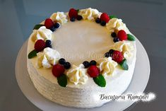Romanian Desserts, Cake Decorating Frosting, Homemade Cakes, Cake Designs, Sweet Treats, Cheesecake, Birthday Cake, Baking, Foods