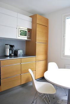 Kitchen Kvik, DSR chair by Vitra