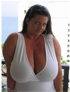 Big And Beautiful, Beautiful Women, Maria Moore, Dark Blue Hair, Bra Cup Sizes, Full Figured Women, Sexy Women, Curvy Women, Boobs