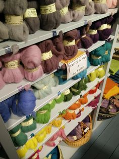PAIN D'ÉPICES --> La laine cardée | 29 Passage Jouffroy 75009 PARIS (Métro Grands Boulevards), mardi au samedi de 10h-19h Paris, Nuno Felting, Wool Felt, Patches, Textiles, Boutique, Knitting, Crochet, Children
