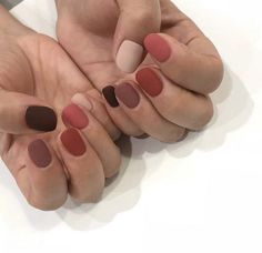 42 Types Of Shellac Nails Fall Autumn Colour 52 Shellac Nails Fall, Acrylic Nails, Gel Nails, Nail Polish, Manicures, Gradiant Nails, Fall Manicure, Autumn Nails, Marble Nails