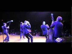 """▶ Under The Streetlamp -- """"Here We Come a Wassailing"""" (LIVE)"""