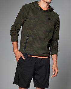 Mens Active Zip Pocket Hoodie | Mens Tops | eu.Abercrombie.com
