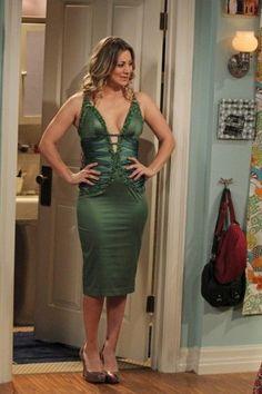 Penny's green low cut dress on The Big Bang Theory Kaley Cuoco Gif, Kaley Cuoco Body, Big Bang Theory, Beautiful Celebrities, Beautiful Actresses, Kaley Cuocco, Under Your Spell, Low Cut Dresses, Bollywood