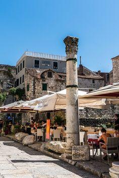 Split in Kroatië is een heerlijke stad voor een stedentrip. Bomvol geschiedenis en cultuur, maar ook leuke stranden en geweldige restaurants. Bekijk alle tips over Split.