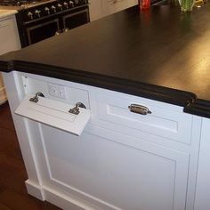 classic white kitchen - Traditional - Kitchen - chicago - by Jill Jordan Kitchen island with outlets disguised as drawers Brilliant! @ Home Decor Ideas Kitchen Outlets, New Kitchen, Hidden Kitchen, Smart Kitchen, Organized Kitchen, Kitchen Decor, Kitchen Organization, Clever Kitchen Ideas, Funny Kitchen