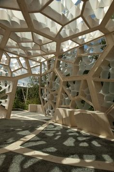 Nice honeycomb structure. Might be nice for an outdoor patio.