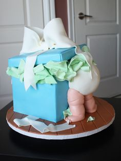 cutest baby shower cake design