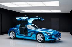 Mercedes-SLS-AMG-Electric-Drive-04.jpg