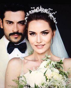 Burak Özçivit and Fahriye Evcen wedding hairstyles with tiara Wedding Couple Poses Photography, Wedding Poses, Wedding Photoshoot, Wedding Couples, Wedding Dresses, Bouquet Wedding, Wedding Nails, Afghan Wedding Dress, Muslimah Wedding Dress