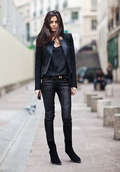 la-modella-mafia-Barbra-Martelo-model-fashion-editor-street-style-in-all-black-everything-Balmain.jpg