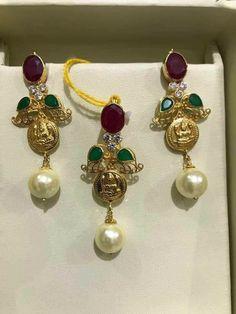 Coral Jewelry, India Jewelry, Trendy Jewelry, Diamond Jewelry, Fashion Jewelry, Gold Earrings Designs, Gold Jewellery Design, Necklace Designs, Black Diamond Chain