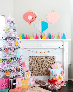 Supercool and Colorful Christmas Tree Looks We Love : Supercool, Colorful and Unique Christmas Tree Looks We Love Whimsical Christmas, Colorful Christmas Tree, Outdoor Christmas Decorations, Modern Christmas, Retro Christmas, Paper Christmas Trees, Christmas Villages, Victorian Christmas, Christmas Colors