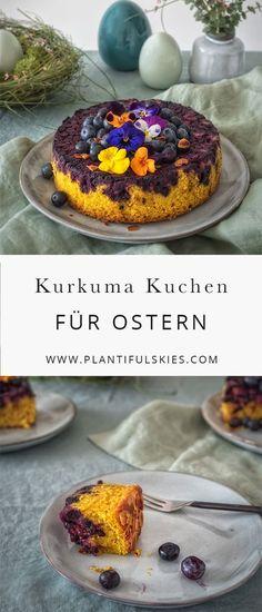 Der perfekte Osterkuchen! Veganer Kurkuma Kuchen mit Blaubeeren. Vollwertig, einfach zu backen und super lecker. Und dazu noch richtig hünsch anzusehen. Vegan Backen ganz einfach.
