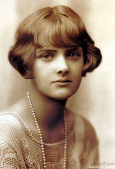 Daphne Du Maurier (1907-1989) Fue  una escritora británica cuyos libros más famosos fueron adaptados al cine.