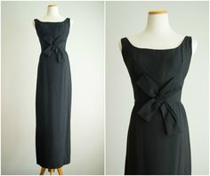 vintage 1960s dress / 60s black evening gown / Crepe Pinwheel Dress
