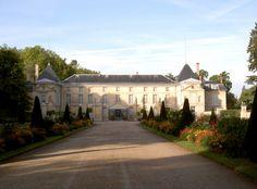 Discover a selection of tours around Paris: Palace of Versailles, Fontainebleau, Vaux-le-Vicomte, Claude Monet's home and gardens in Giverny. Chateau De Malmaison, La Malmaison, Monuments, Paris River Cruise, Palace Of Versailles, Museum, France Travel, Attraction, Around The Worlds
