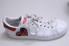 c2aa3797f65 Lleva un street style de lujo con estos Stan Smith Adidas de la modelo y  fashion
