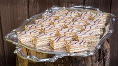 Esterházy řezy jsou vrstvený dezert z ořechového bezé   foto: Martin Čuřík Cereal, Cheesecake, Pie, Baking, Breakfast, Desserts, Recipes, Food, Torte