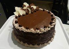 Something Sweet, Creative Cakes, Cake Decorating, Deserts, Food And Drink, Birthday Cake, Ice Cream, Recipes, Decoration