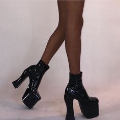 Dr Shoes, Swag Shoes, High Shoes, Fancy Shoes, Pretty Shoes, Crazy Shoes, High Heel Boots, Cute Shoes, Me Too Shoes