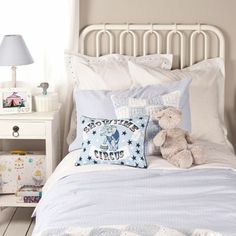 love the scheme - esp. the crocheted cushion and throw