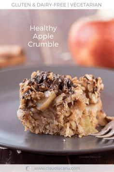 Crumble with Oats - This apple crumble is a healthy recipe because it's made only with natural ingredients. It's dairy-free, gluten-free and refined sugar free. Healthy Brunch, Healthy Dessert Recipes, Healthy Foods To Eat, Delicious Recipes, Vegetarian Recipes, Apple Crumble With Oats, Healthy Apple Crumble, Good Food, Yummy Food