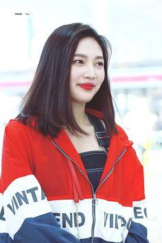 Short Red Hair, Medium Short Hair, Medium Hair Styles, Short Hair Styles, Long Hair, Red Velvet Joy, Velvet Hair, Seulgi, Joy Rv